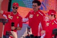 Ferrari подыгрывает Феттелю и задвигает Леклера