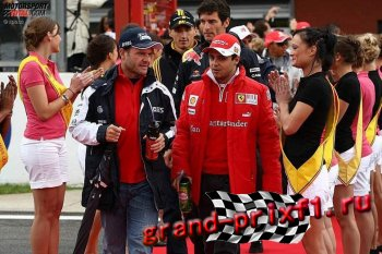 Парад пилотов на трассе в Барселоне 2013